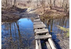 Старый деревянный мостик