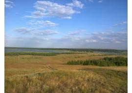 Недалеко от озера