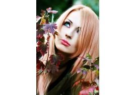 Красивая девушка с выразительными глазами
