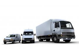 3 грузовика на белом фоне